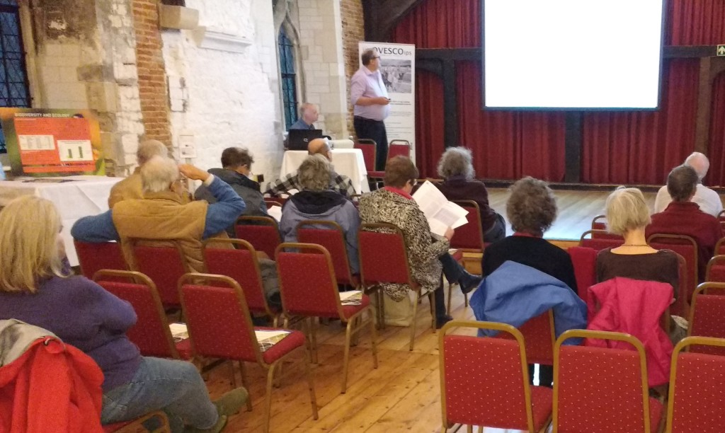 An inquisitive, probing audience came to two presentations of the Meadow Blue solar farm project at the Vicars' Hall on a blustery evening on November 17 and went away sated.